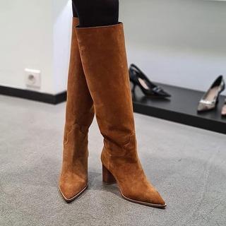 @ultimastrasbourg  @casadeiofficial  . #ultimastrasbourg #casadei #boots #casadeiboots #suedeboots #newinstore #newbrand #autumncolors #multibrandstore #luxuryfashion #luxurybrand #shoppingstrasbourg