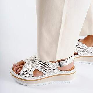 @ultimastrasbourg  @clergerie  CLERGERIE SS21 COLLECTION . #ultimastrasbourg #clergerie #crochetsandals #ss21collection #summervibes #availableinstore #picoftheday #instafashion #shoppingaddict #shoppingstrasbourg
